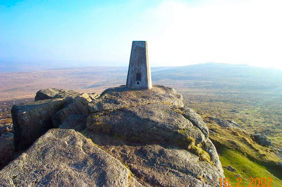 http://www.richkni.co.uk/dartmoor/pix/dinger/dinger13.jpg